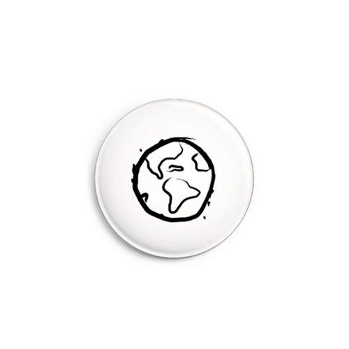 Daniel Bandholtz Button Weltkugel - Design-Accessoires aus Köln / Bonn
