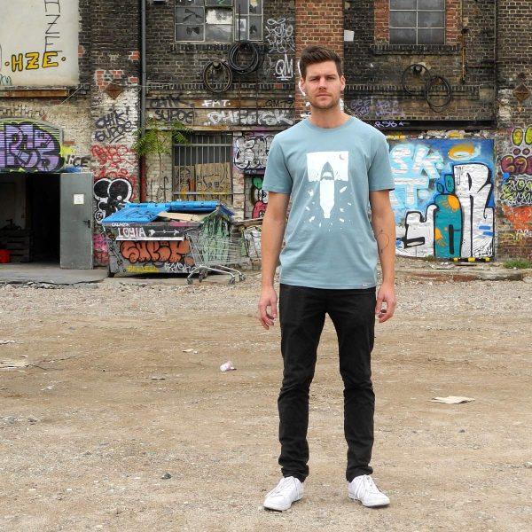 Daniel Bandholtz Bonn T-Shirt Plastik Hai: Fair, Bio und handbedruckt