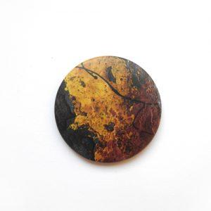 Abstrakter, Brau-Orangener Magnet: Design-Accessoires von Daniel Bandholtz, Bonn