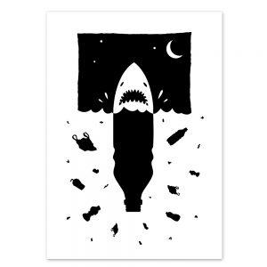 Anti Plastik Hai Postkarte von Daniel Bandholtz aus Bonn
