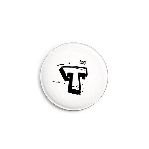 Buchstabe T Graffiti Button von Daniel Bandholtz