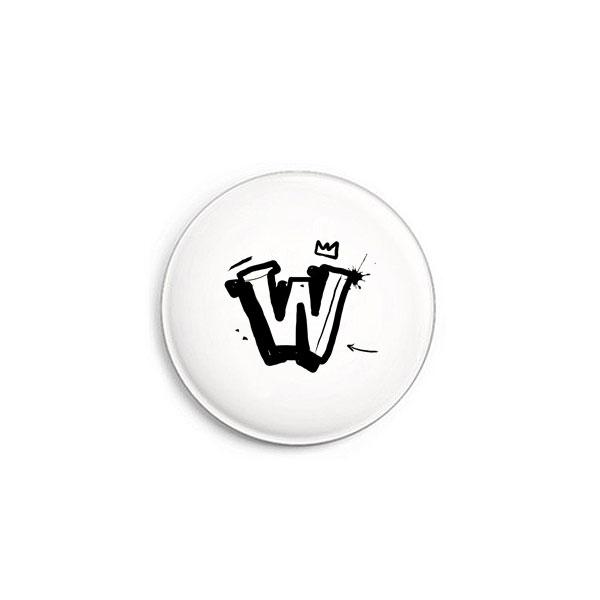 Buchstabe W Graffiti Button von Daniel Bandholtz