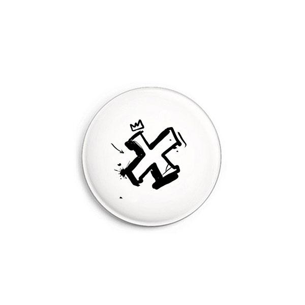 Buchstabe X Graffiti Button von Daniel Bandholtz